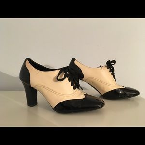 Franco Sarto cream and black leather shoes